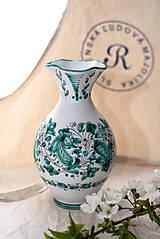 Dekorácie - Prehýbaná váza v zelenom prevedení - 10632552_