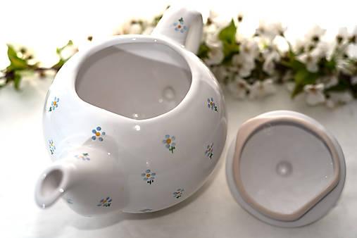 Kvietkovaný čajník