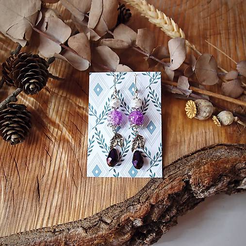 Elegantné trblietavé náušnice, fialová, kvapky, lístky, sklo, striebro