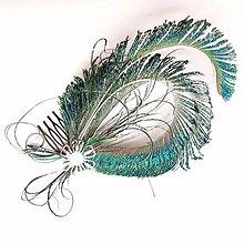 Ozdoby do vlasov - Fascinátor z pávích pierok - 10634971_