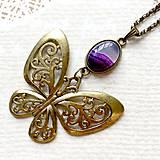 Náhrdelníky - Bronze Butterfly Violet Agate Necklace / Náhrdelník s motýľom a fialovým achátom /2084 - 10636514_