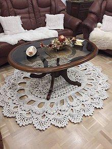 Úžitkový textil - háčkovaný koberček - 10636641_
