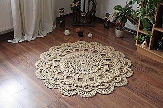 Úžitkový textil - Háčkovaný koberček - 10636842_