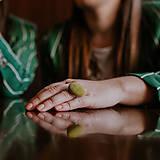 Prstene - BUTTON {L} výrazný zelený prsteň - 10636119_