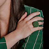Prstene - BUTTON {L} výrazný tmavozelený prsteň - 10636141_