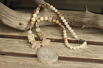 Náhrdelníky - Mohutný náhrdelník z mixu minerálov a plátkom achátu - 10637725_