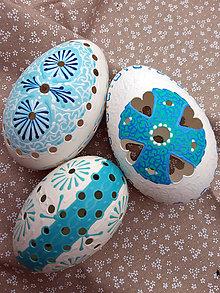 Dekorácie - Husacia kraslica bielo modrá madeirová - 10638448_