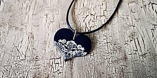 Náhrdelníky - FOLKLÓRne srdce modrotlač-náhrdelník - 10637100_