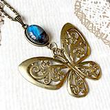 Náhrdelníky - Bronze Butterfly Labradorite Necklace / Náhrdelník s motýľom a labradoritom /2084 - 10638740_