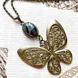 Náhrdelníky - Bronze Butterfly Labradorite Necklace / Náhrdelník s motýľom a labradoritom /2084 - 10638741_