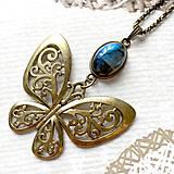 Náhrdelníky - Bronze Butterfly Labradorite Necklace / Náhrdelník s motýľom a labradoritom /2084 - 10638742_