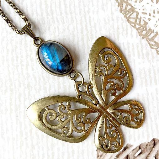 Bronze Butterfly Labradorite Necklace / Náhrdelník s motýľom a labradoritom /2084