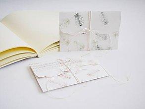 Papiernictvo - Svadobná obálka na peniaze - pierka zelené - 10639158_