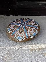 Dekorácie - Ruský krasokorčuliar - Na kameni maľované - 10641116_