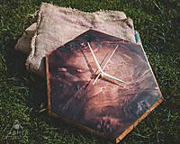 Hodiny - Tobacco Burst - Topoľové drevené hodiny - 10639375_