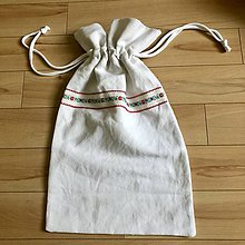 Úžitkový textil - Ľanové vrecko na chlieb s ľudovým motívom (Červené a modré kvety) - 10640486_