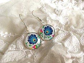 Náušnice - Náušničky s modrým folklórnym kvietkom - 10640712_
