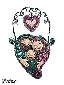 Dekorácie - ♥ Ochranný rodinný amulet s rubínom vo fuchsite♥ - 10642688_