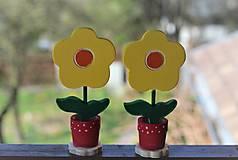 Dekorácie - Drevené kvetinky - 10641928_