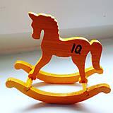 Dekorácie - IQ koníka? oranž - 10643973_
