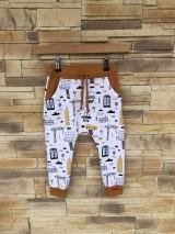Detské oblečenie - Autíčkové rastúce tepláky - 10642238_