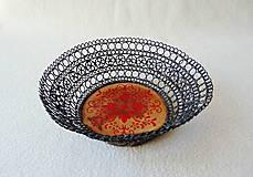 Dekorácie - Drôtená miska Červený ornament - 10646412_