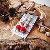 Náušnice - Chutné chlpaté balbuľky - náušnice, keramické srdcia, červená, biela, perleť, striebro - 10645604_
