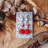 Náušnice - Chutné chlpaté balbuľky - náušnice, keramické srdcia, červená, biela, perleť, striebro - 10645605_
