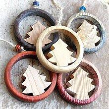 Dekorácie - Drevený Vianočný Stromček - 10645740_