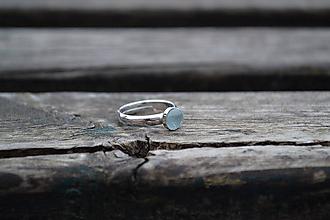 Prstene - Akvamarín strieborný rhodiovaný prsteň - 10646349_