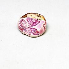 Odznaky/Brošne - brošňa porcelán zlatá ruža - 10644968_