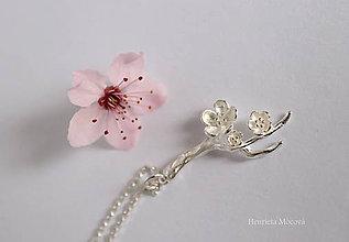 Náhrdelníky - Strieborný prívesok - čerešňové kvety - 10646397_