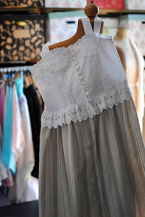 Vintage šaty pre slečnu