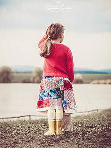 Detské oblečenie - Rozkvitnutá dievčenská sukňa - 10647762_