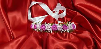 Farebný kvetinový opasok