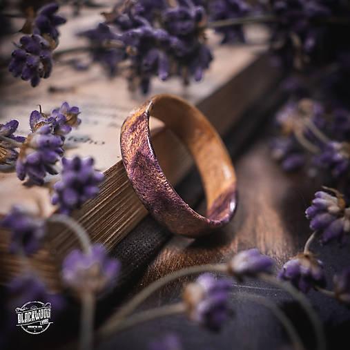 drevený prsteň- javorový koreň LEVANDUĽA