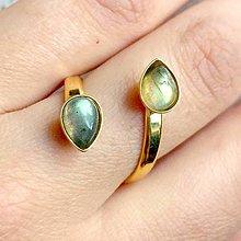 Prstene - Double Labradorite Teardrop AG925 Gold Plated Ring / Pozlátený strieborný prsteň s labradoritmi - 10650660_
