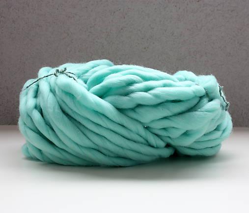 Superhrubá pletacia priadza Mint modrá vlna 250g