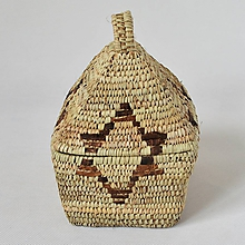 Krabičky - Pletený palmový košík zdobený kožou s vekom (MISR) - 10650507_