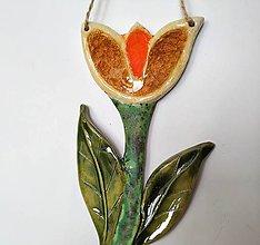 Dekorácie - Keramická závesná dekorácia Tulipán - 10650317_