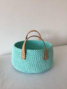 Košíky - Háčkovaný košík s koženými rúčkami mint - 10650719_
