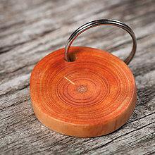 Kľúčenky - Drevená kľúčenka morená - 10650738_