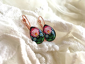 Náušnice - Slzičkové náušničky s ružovým folk kvetom - 10651855_
