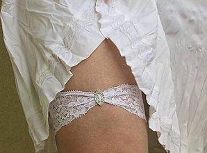 Bielizeň/Plavky - Svadobný podväzok so štrasovou ozdobou - 10650623_