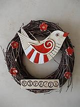 Dekorácie - Veniec s keramickým vtáčikom- červený - 10654089_