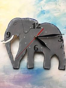Hodiny - Drevené nástenné hodiny - Slon - 10653311_