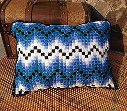 Úžitkový textil - Vyšívaný vankúš Blue - 10653077_