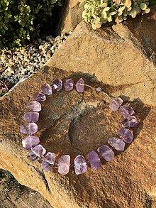 Náhrdelníky - Ametystový levandulový náhrdelník s filigránovym zapínaním - 10655369_