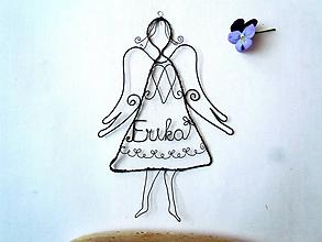 Dekorácie - Anjel v šatách ( s menom) - 10655899_