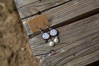 Náušnice - Naušničky drevené s korálkou- modrotlač - 10656413_